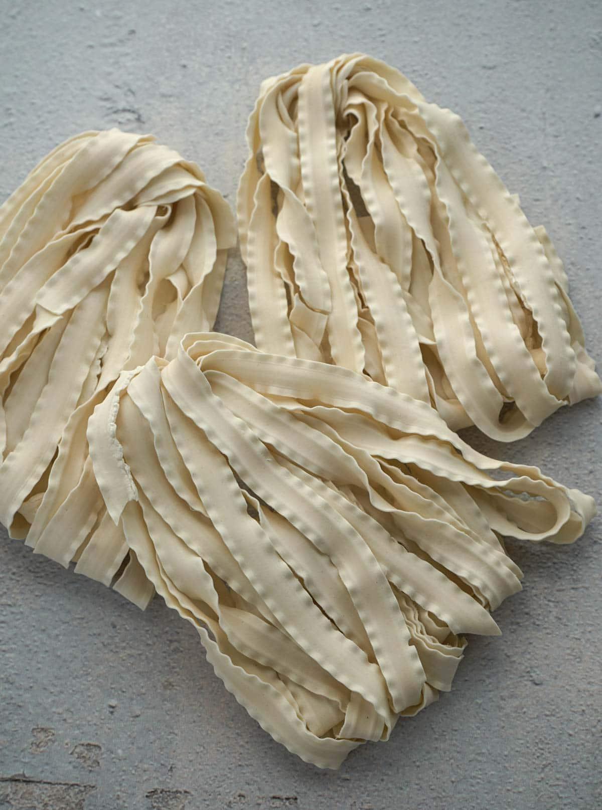 Dried knife-cut noodles.